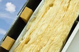 Укладка минваты происходит по принципу слоеного пирога
