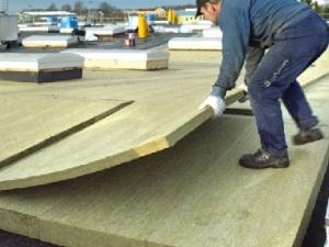Монтаж утеплителя для мягкой крыши