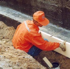 Как правило, теплоизоляция фундамента всегда связана с объемными земляными работами